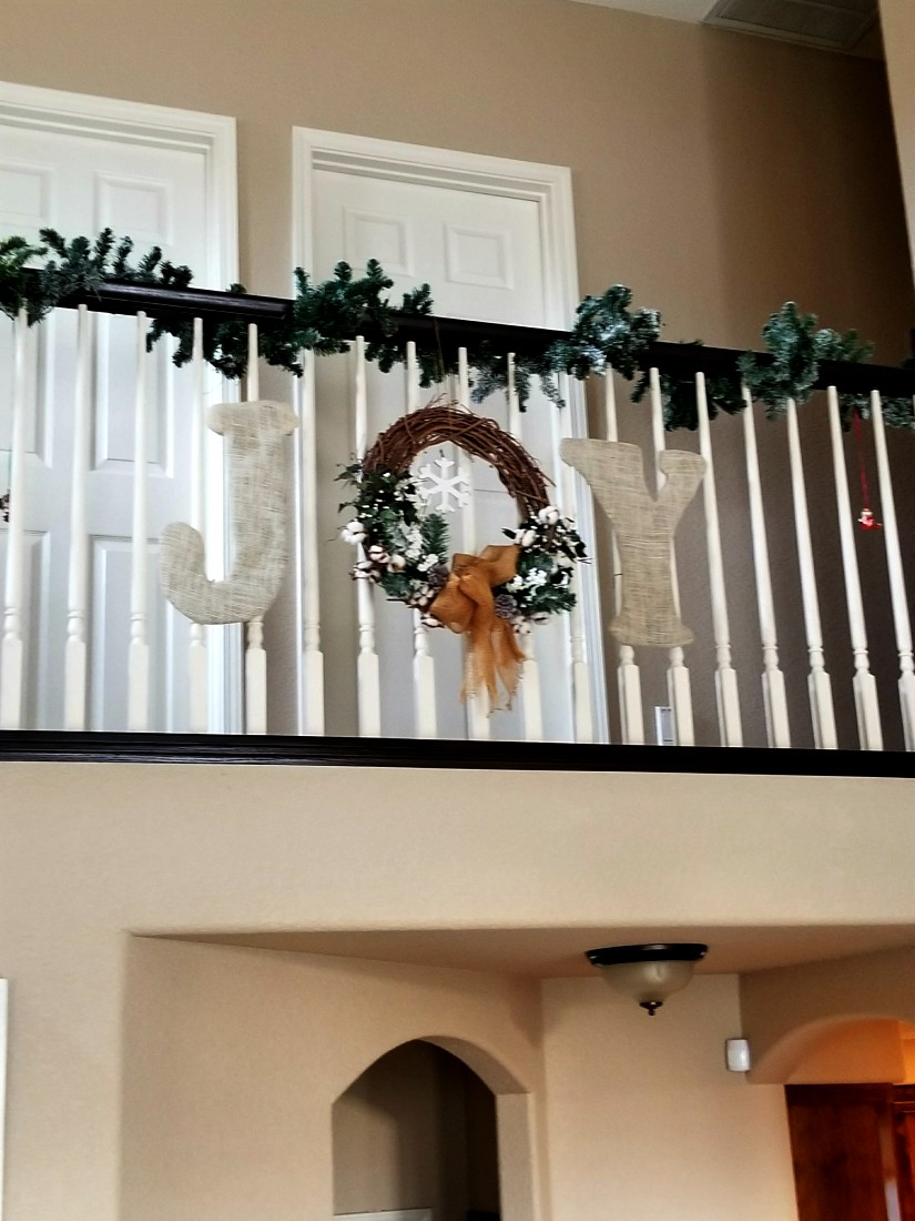 Christmas decoration for a banister