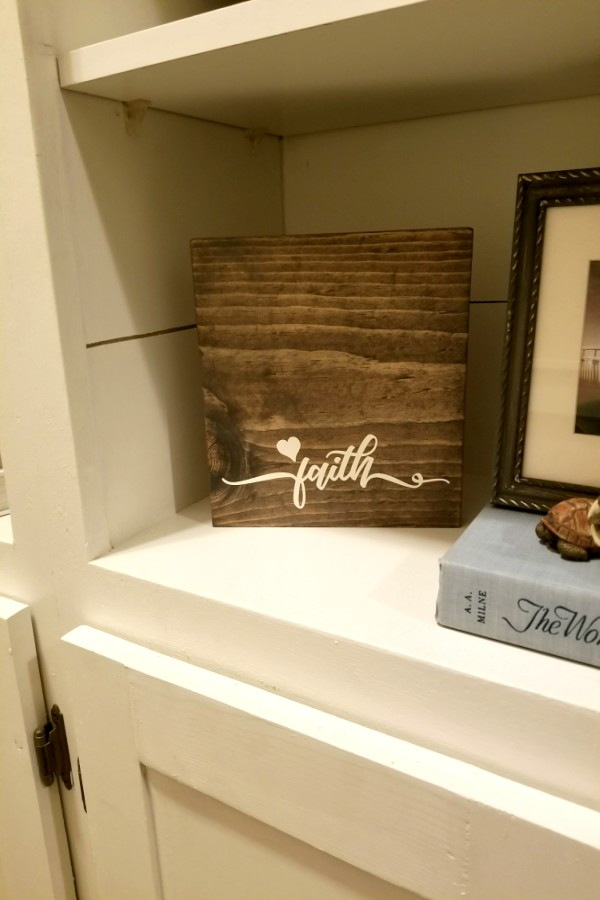 DIY wooden signs with sayings