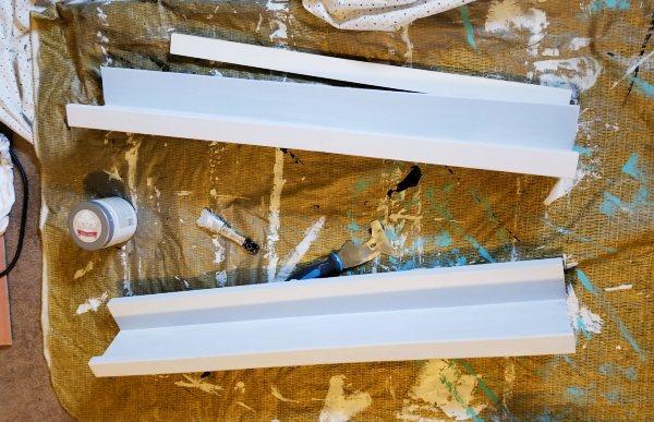 white turnbuckle shelves