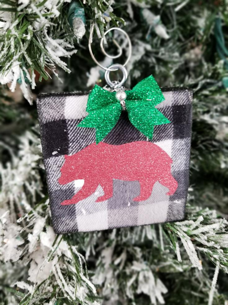 buffalo plaid Christmas ornaments diy