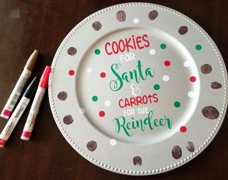 christmas cookie plate with reindeer thumbprint