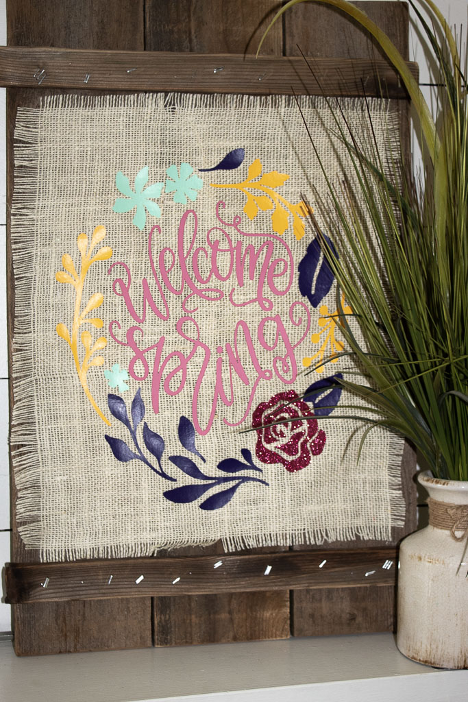 Cricut EasyPress Projects:  How to Make a Burlap Sign