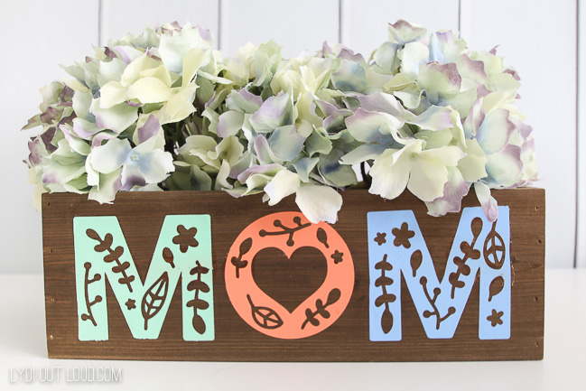 DIY Mother's Day Planter with Cricut & Martha Stewart