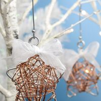 Make It: Beaded Wire Christmas Ornament
