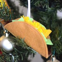 Felt Taco Christmas Ornament - TUTORIAL