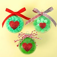 Christmas Kids Craft: Grinch Ornaments