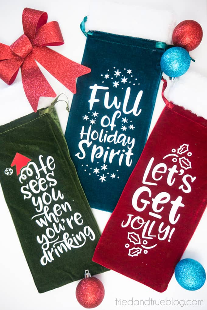 Holiday Wine Gift Bags Free SVG Files