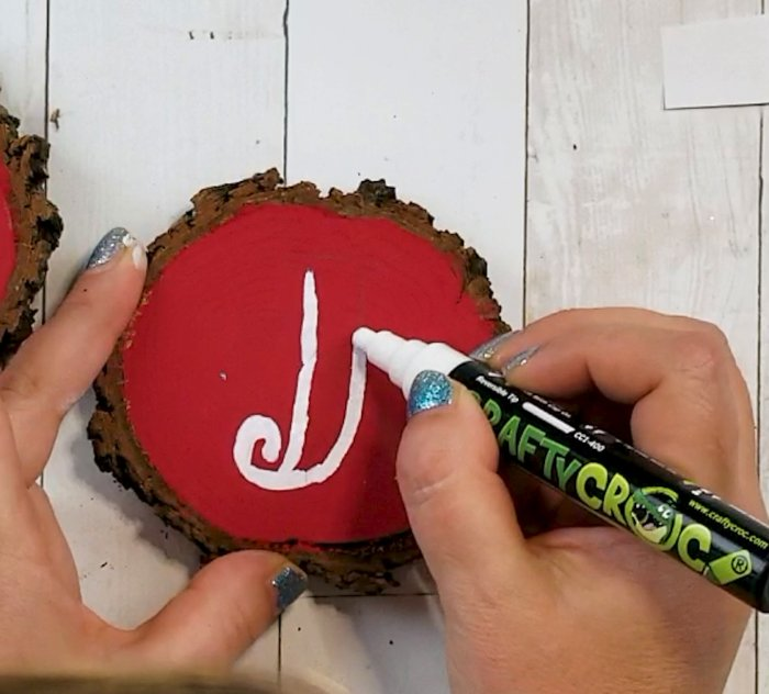 decorating for chrismtas on a budget
