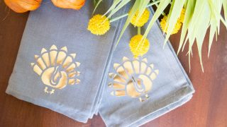 DIY Thanksgiving Napkins - Perfect for your Fall Tablescape