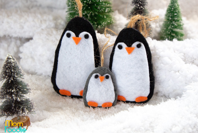 Felt Penguin Ornaments, DIY Penguin Couple and Baby Pattern
