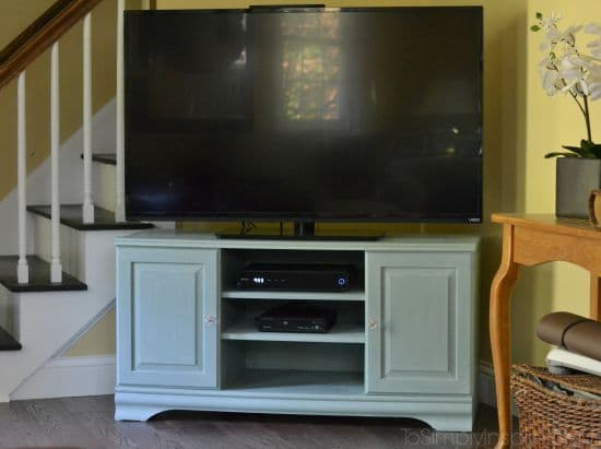Chalk Paint Tutorial - TV Stand Makeover