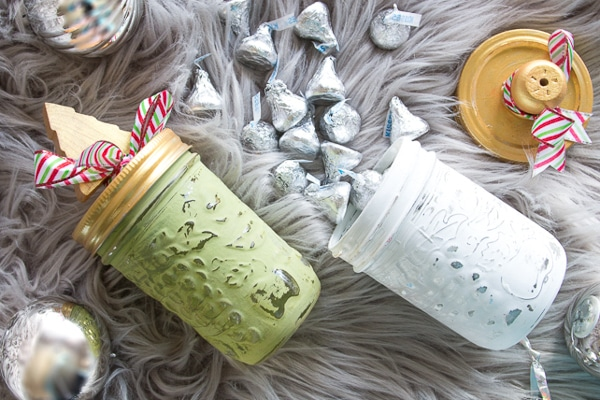 Super cute Painted Mason Jars to Give as Christmas Gifts