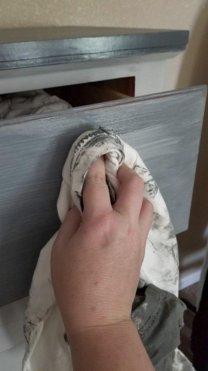 chalk paint furniture grey