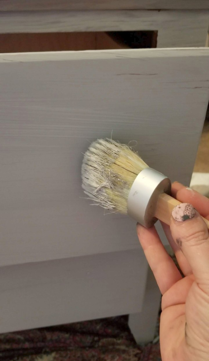 how to use chalk paints