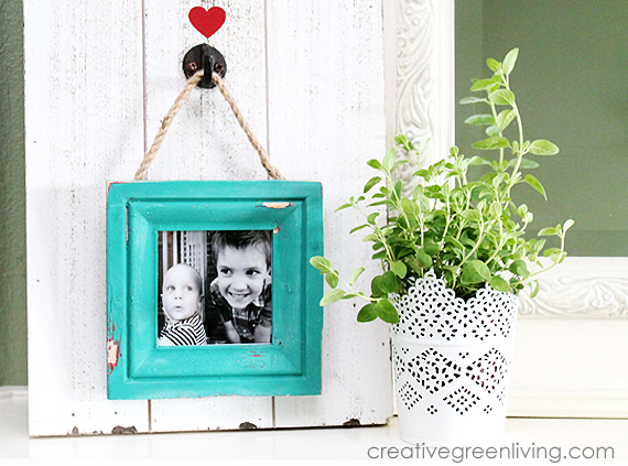 How to Make a Rustic Farmhouse Style Distressed Frame with a Faux Pallet