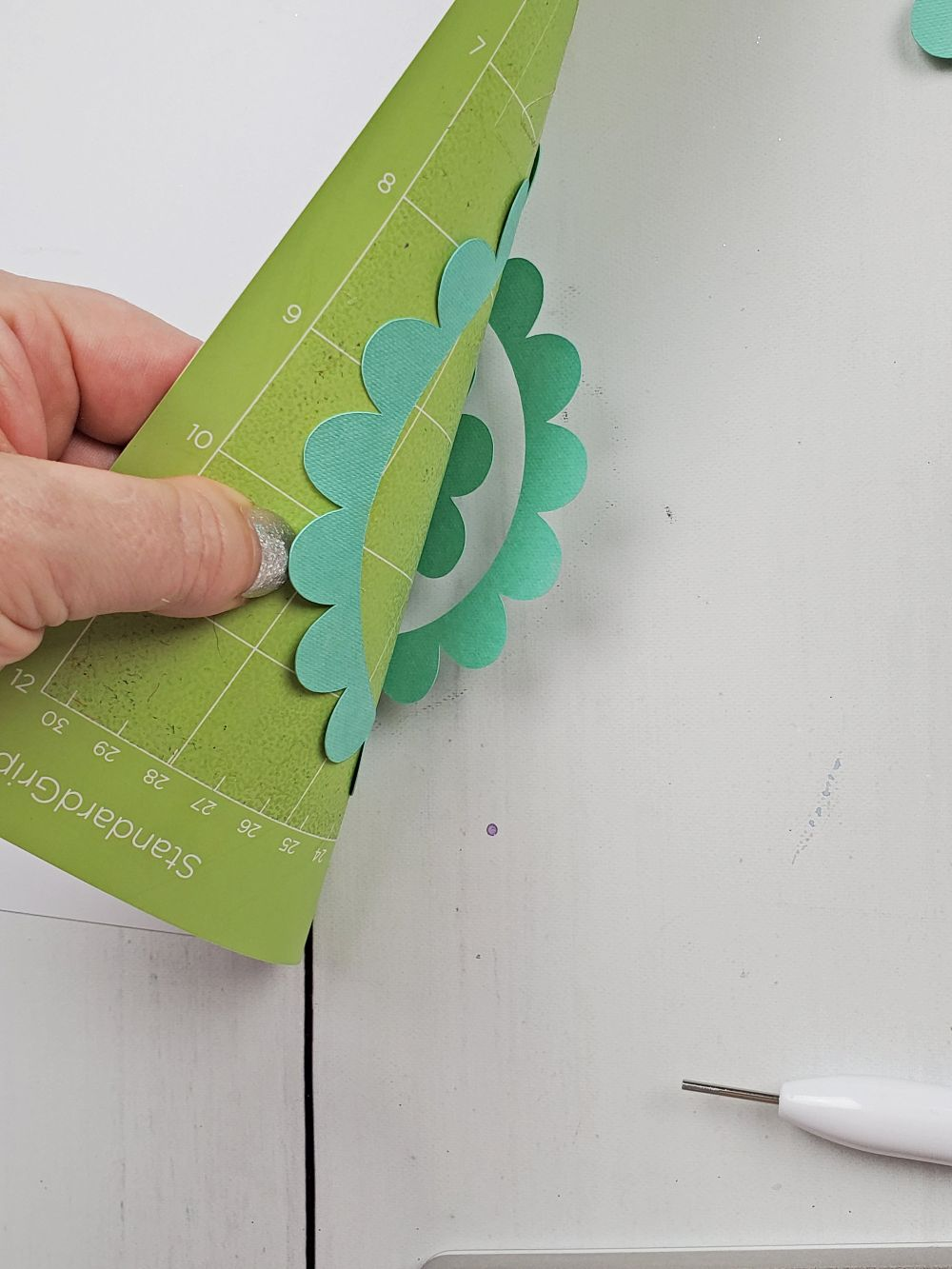 removing cardstock from cricut mat
