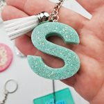 how to make resin keychains with molds