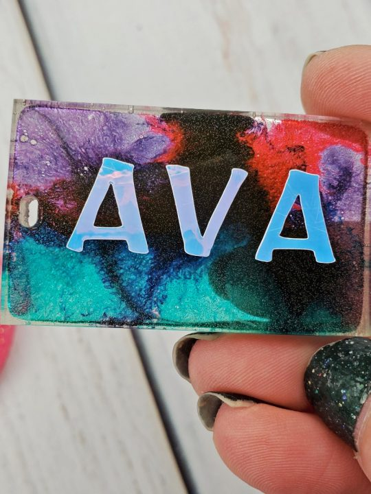 resin keychain with alcohol inks vinyl