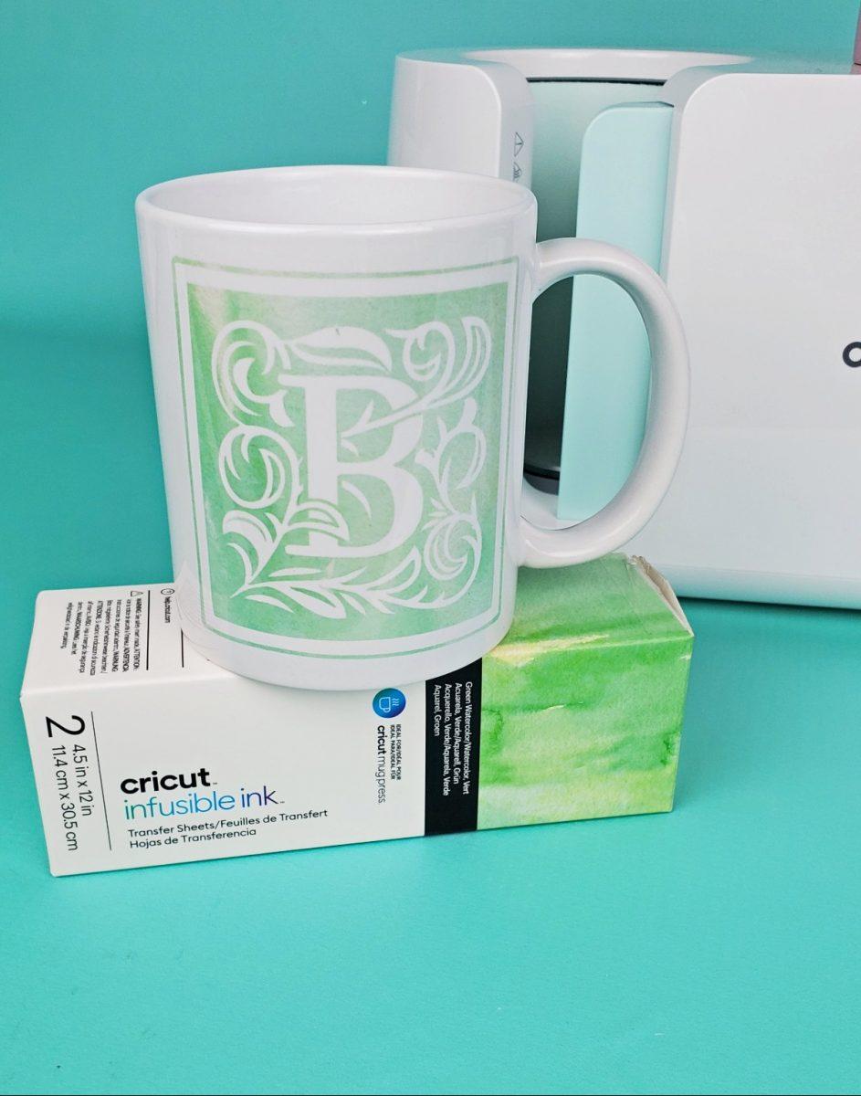 monogram cricut mug tutorial