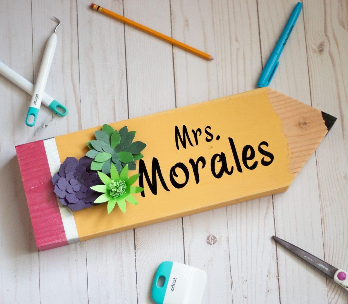 teacher pencil sign