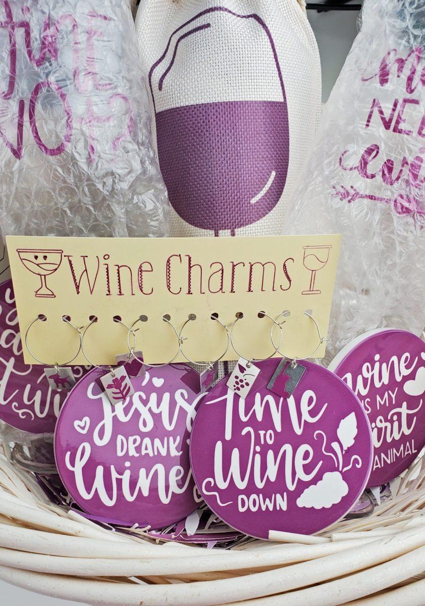 diy wine gfit ideas cricut