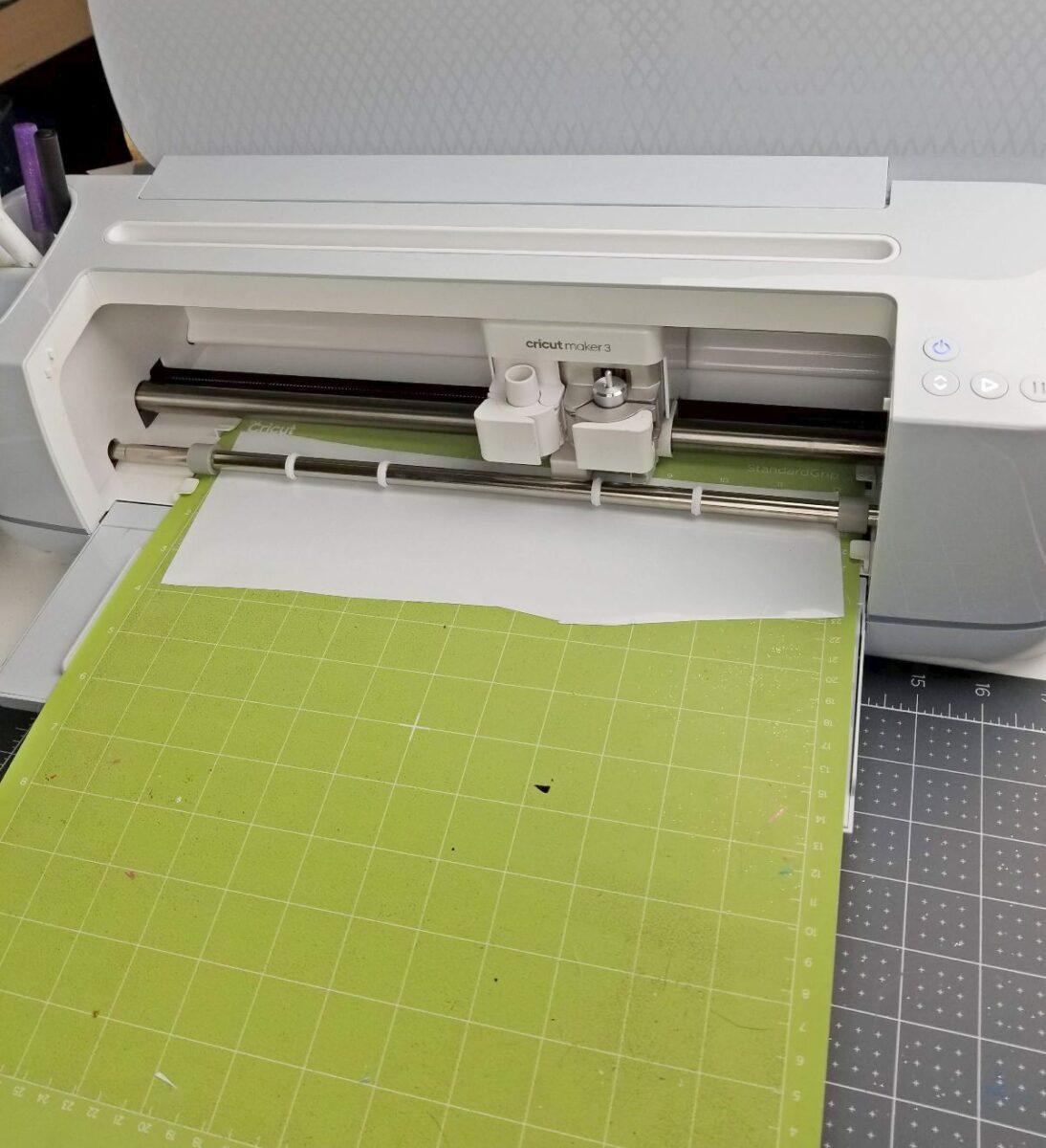 cutting vinyl for ornament cricut